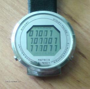 stare hodinky 11 45 59