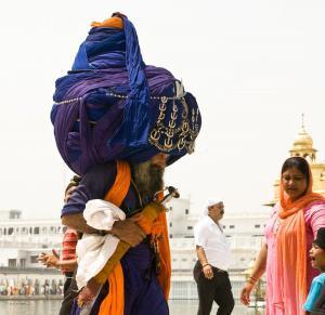 Biggest Turban Ever