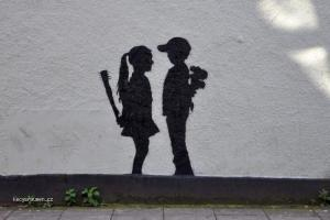 holka a kluk na zdi