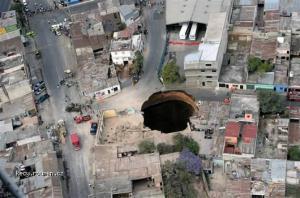 guatsinkhole1