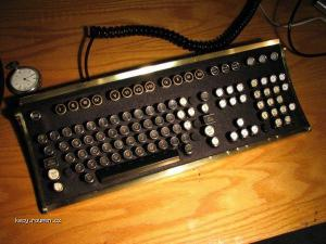 retro klavesnica