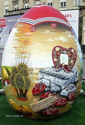 Worlds Biggest Easter Eggs1