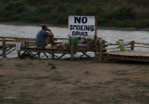 no smoking drugs