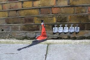 X Mini Graffiti Around London 3