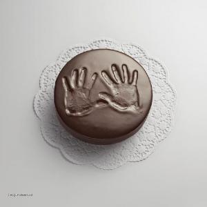 ruce v cokolade