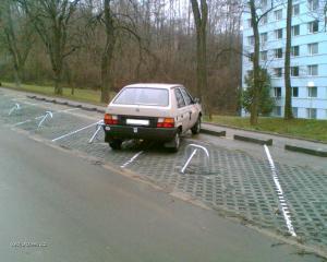 pry se tu neda zaparkovat