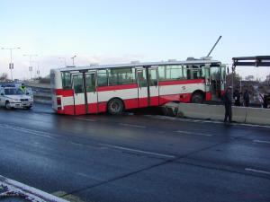 letajici autobus na cernokostelecke1