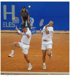 tenis is g