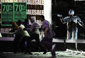 police vs rioters