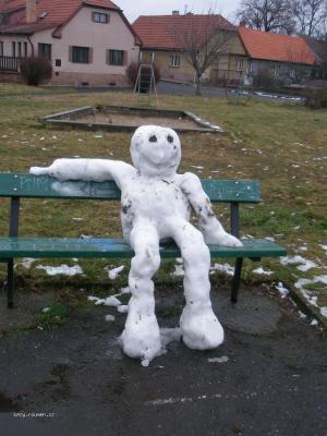 unaveny snehulak3