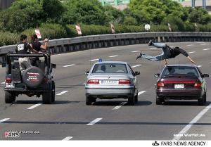 skok z auta na auto