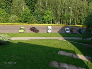 parkovani pobliz domu