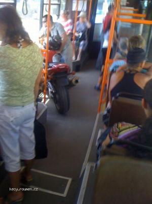 normalka v tramvaji