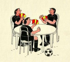 Fotbalové červené vs. žluté karty