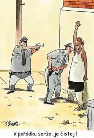 Policajt zkoumá čistotu týpka na ulici
