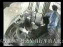 Taiwan - autobus srazil cyklistu