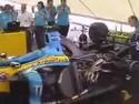 Vůz Formule 1 - hudba motoru