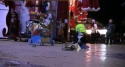 Pes uklízí náměstí