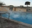 Největší blbci - bazény