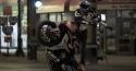 Borec na motorce - Aaron Colton