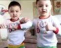 Dva malí bratři - dva malí borci
