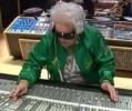 DJ babička