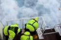 Třídění odpadu na lodi