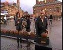 Pokus o rozbití 100 kokosů