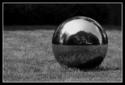 Železná kulička a písek [slow motion]