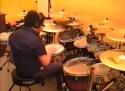 Bubeník hraje klasickou hudbu
