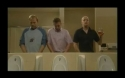 Na záchodech - Chlapi sobě