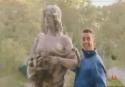 Nachytávka - Focení se sochou
