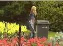 Nachytávka - čurání v parku
