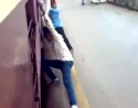 Indie - Surfování za vlakem