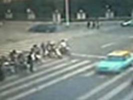Čína - nehoda na přechodě