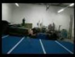 Jeremy Marinas - akrobacie vs. karate