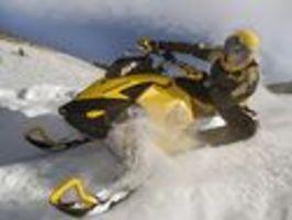 Sněžný skútr - double backflip