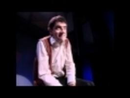 Mr. Bean hraje na bicí
