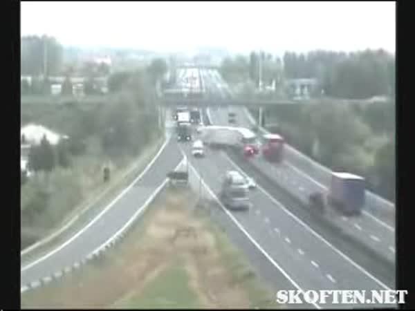 Nehoda na dálnici - mikrospánek