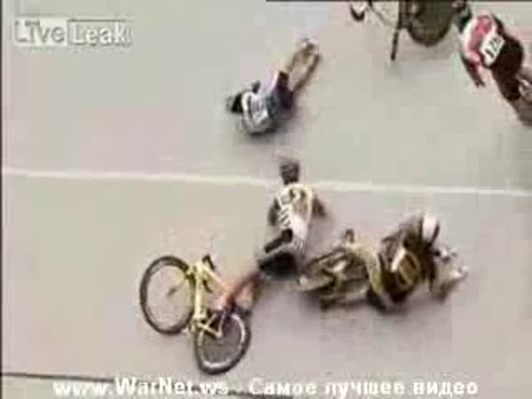 Dráhová cyklistika - nehoda na velodromu