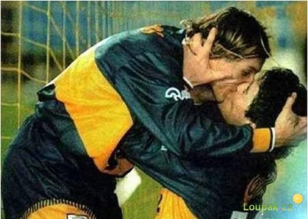 Fotbal sbližuje - polibky