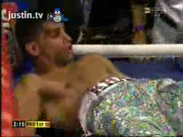 BOX - Amir Khan vs. Breidise Prescotta - KO