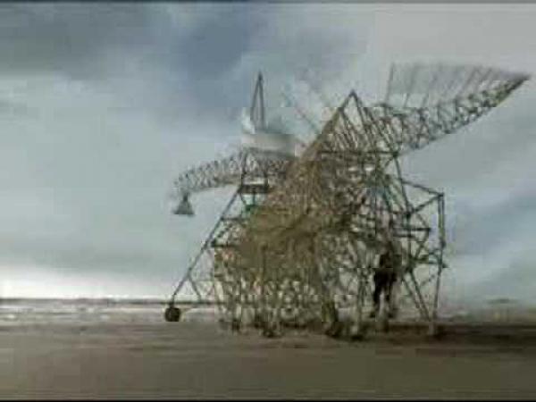 Theo Jansen a jeho zvláštní sochy