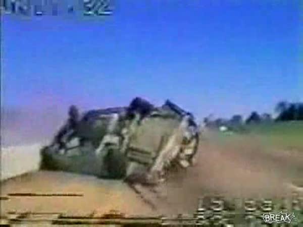 USA - nehoda při honičce
