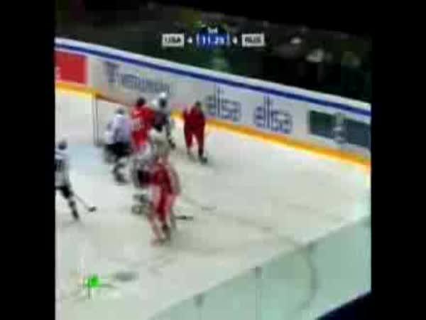 Hokej - Alexej Čerepanov  smrt na lědě