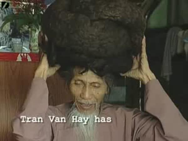 Vietnam - muž s nejdelšími vlasy