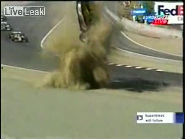 Děsivé závodní nehody [kompilace]