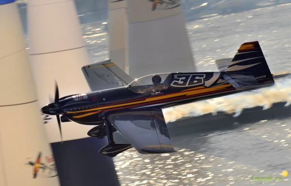 OBRÁZKY - The Red Bull Air Race