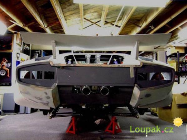Jak se staví Lamborghini doma