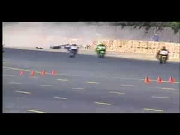 Závodní motocyklové nehody